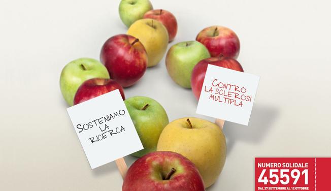 Torna in piazza la mela di AISM